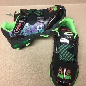 NWT! Monster Jam Grave Digger Light up Velcro shoe